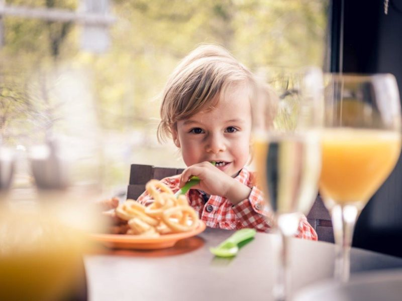 eCHo-Restaurant-Marriott-Sunday-Brunch-children-Zurich-Marriott-Hotel-31