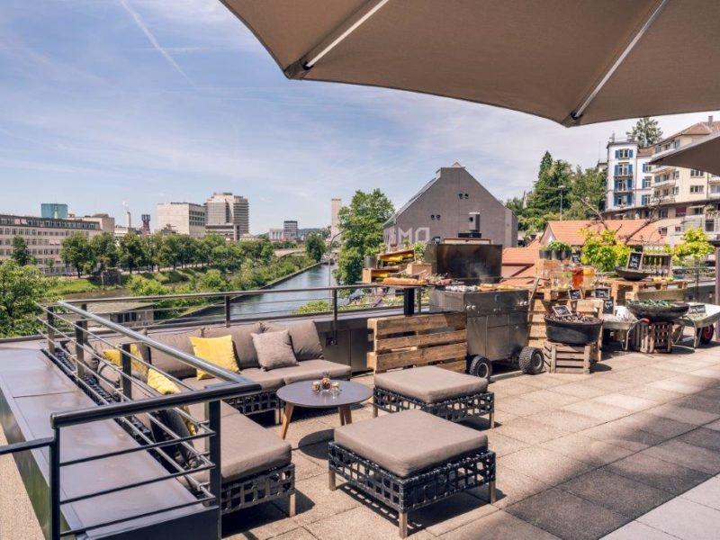 Bankett Terrasse mit Blick auf die Limmat