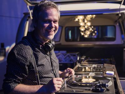 Zürich Marriott Hotel: Entertainment, DJ Bus