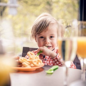 eCHo Restaurant-Marriott Sunday Brunch-children-Zurich-Marriott-Hotel (3)