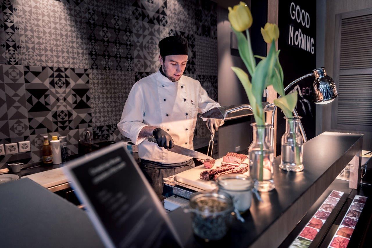 Marriott Sunday Brunch - Live Cooking Station