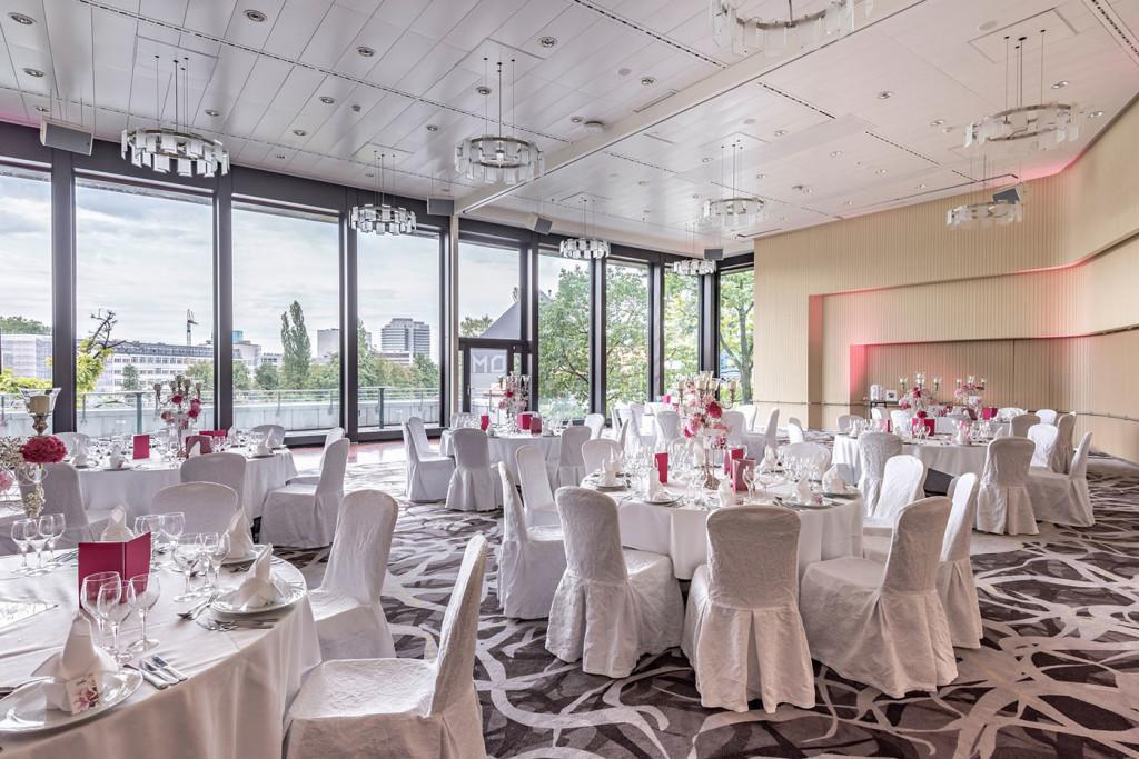 Hochzeitsfeier im Century Ballsaal des Zürich Marriott Hotels